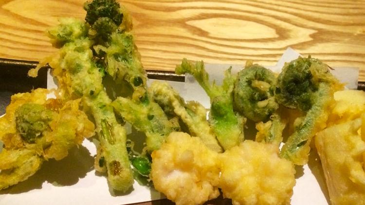 本日のおすすめ「春野菜の天ぷら」