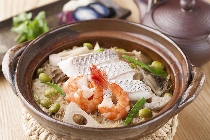 天然真鯛の五目土鍋炊き込み御飯